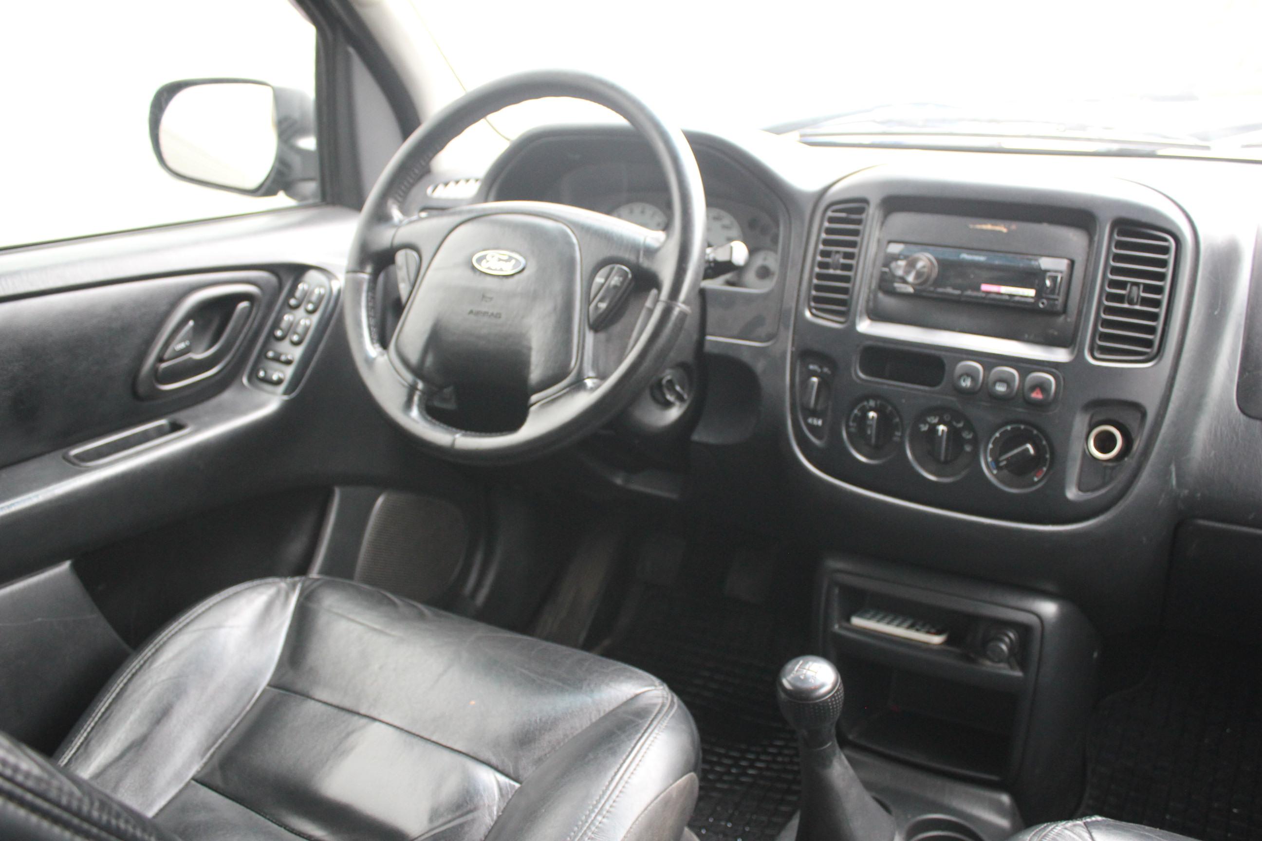 Ford Maverick Внедорожник (2003г.)