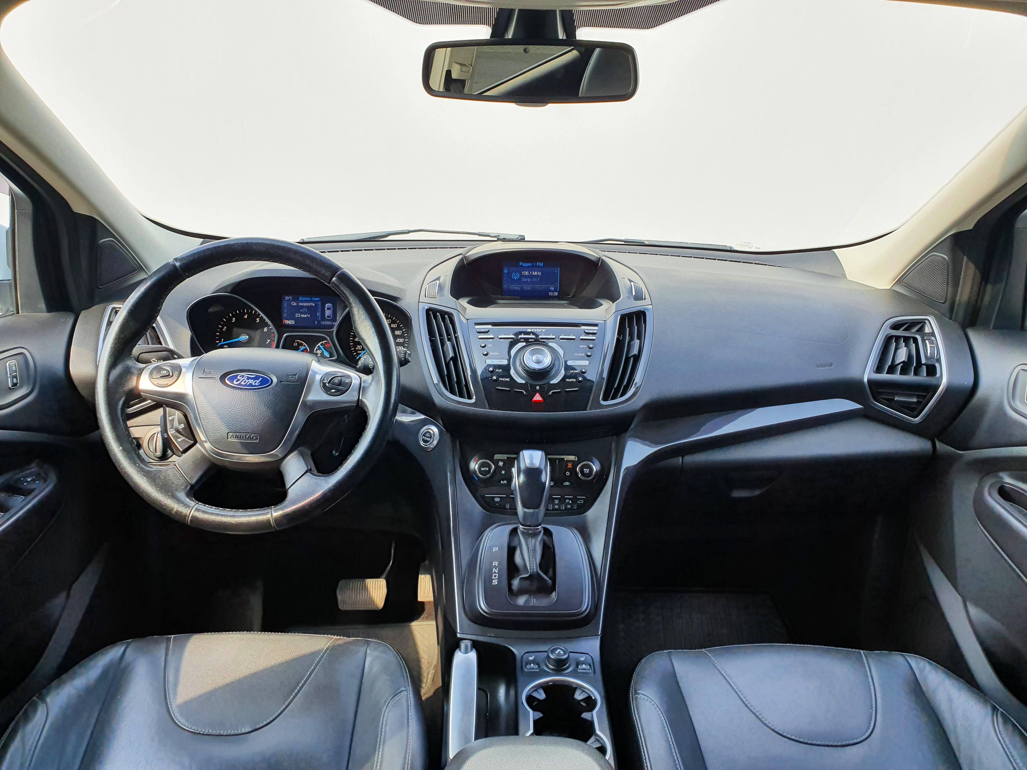 Ford Kuga Внедорожник (2013г.)